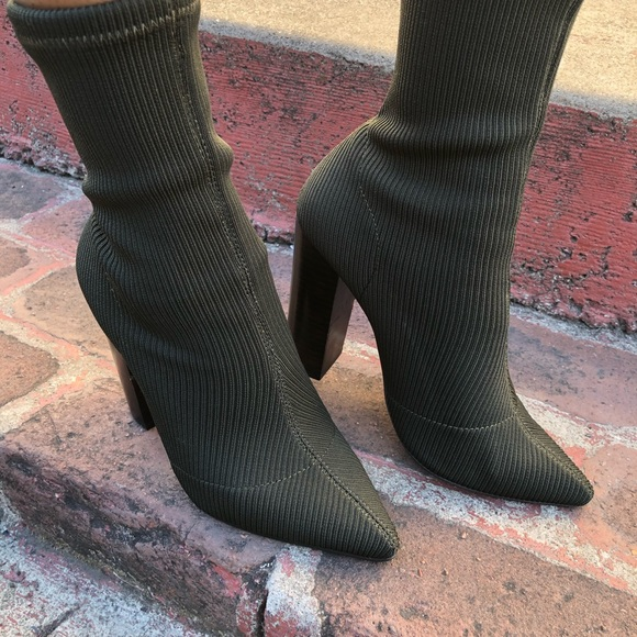 knit heeled booties